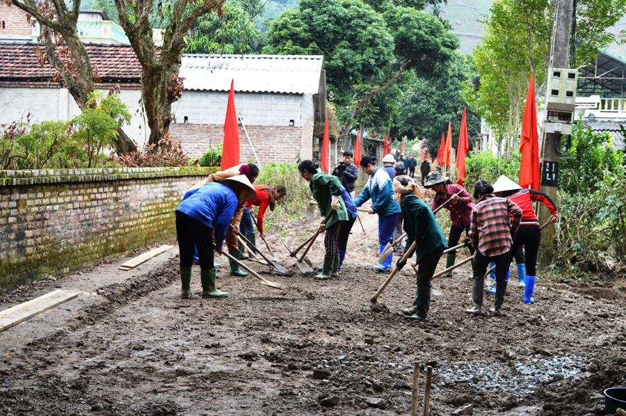 Thực hiện chương trình MTQG xây dựng nông thôn mới, tiêu chí giao thông nông thôn được xác định là một trong những tiêu chí khó đối với một tỉnh miền núi như tỉnh Yên Bái